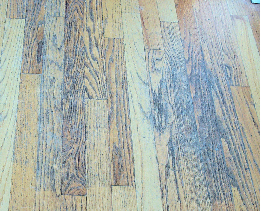 Bad advice about wood floors no vinegar old cleaning for Hardwood floors vinegar
